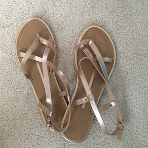 New Directions Rose Gold Strappy Sandals Size 9